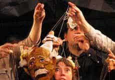 Miloa Kasal and Theresa Linnihan with marionettes