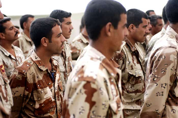 Iraqi Army trainees in Combat Lifesaver course