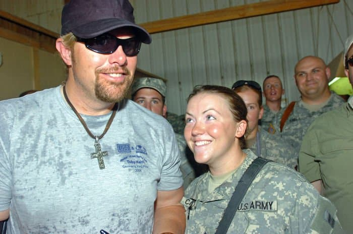 Army Sgt. Nikole Connors at Toby Keith