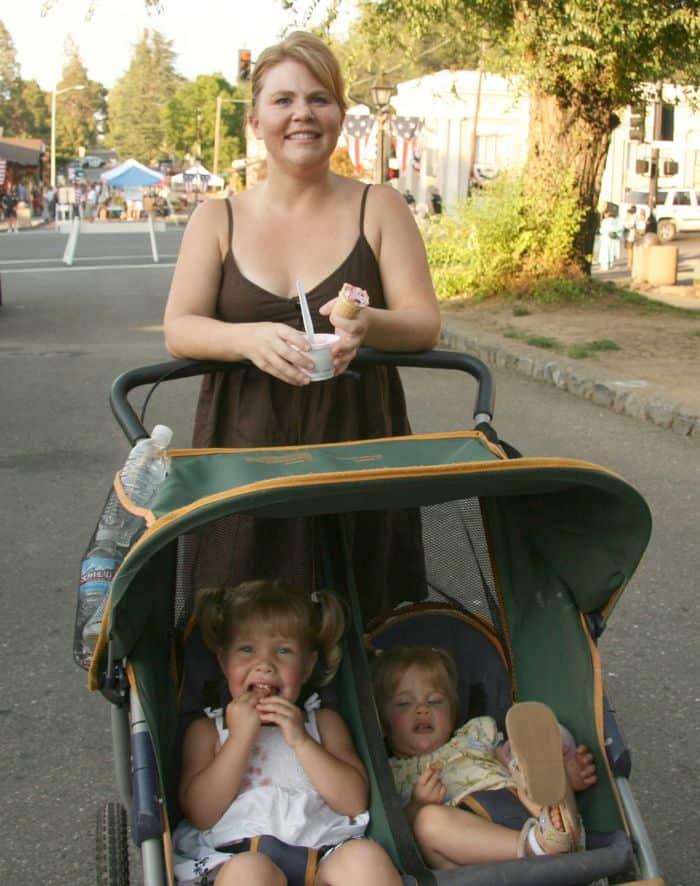 Keeping cool in Sutter Street, at the Folsom Thursday Night Market.