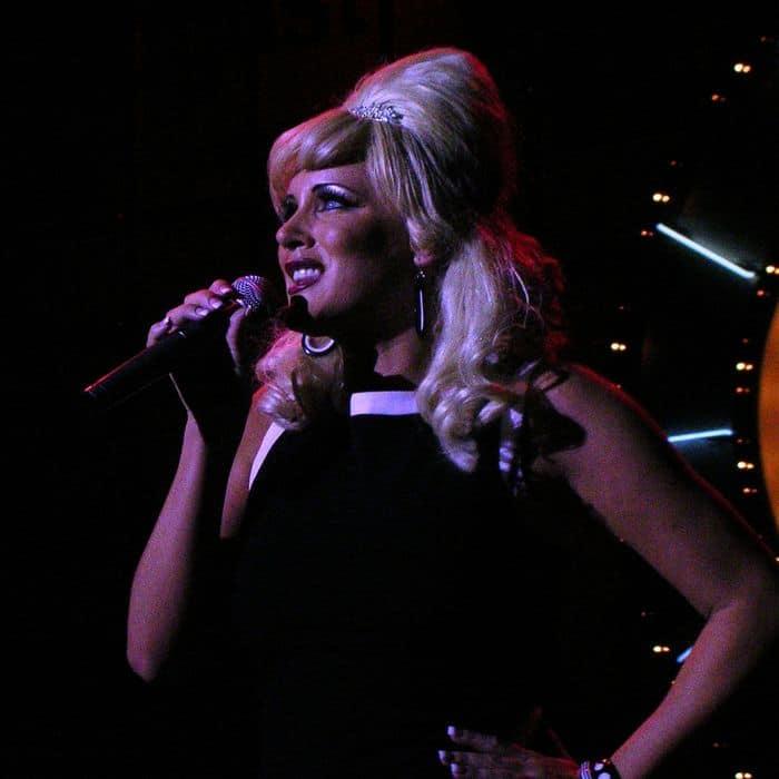Carola Eriksson sings Hey Big Spender