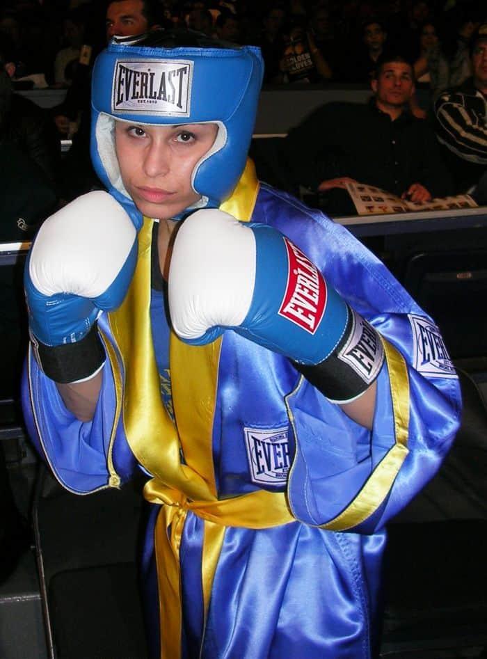 Boxer/Jeweler Blue Saphire Christina Rosa
