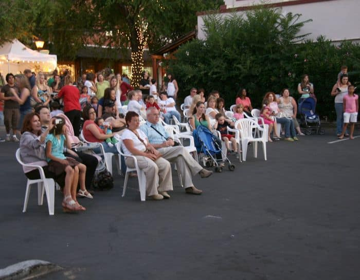 dance hacienda crowd