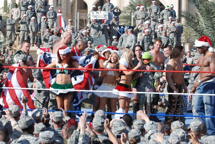 World Wrestling Entertainment superstars mingle with MND B and 4ID Soldiers