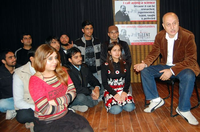 ANUPAM KHER AUDITIONS STUDENTS FOR HIS ACTING SCHOOL IN CHANDIGARH DSC 3260