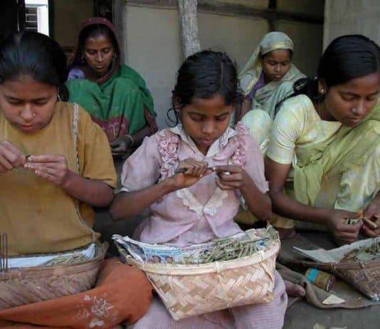 bidi workers - poverty.