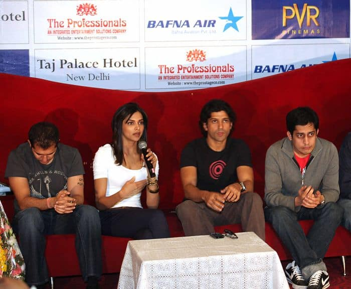 PRESS CONFERENCE OF FILM KARTHIK CALLING KARTHIK IN CHANDIGARH 001