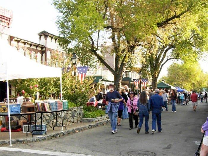 Antiques enthusiasts descend upon Sutter St. for the Antique Fair