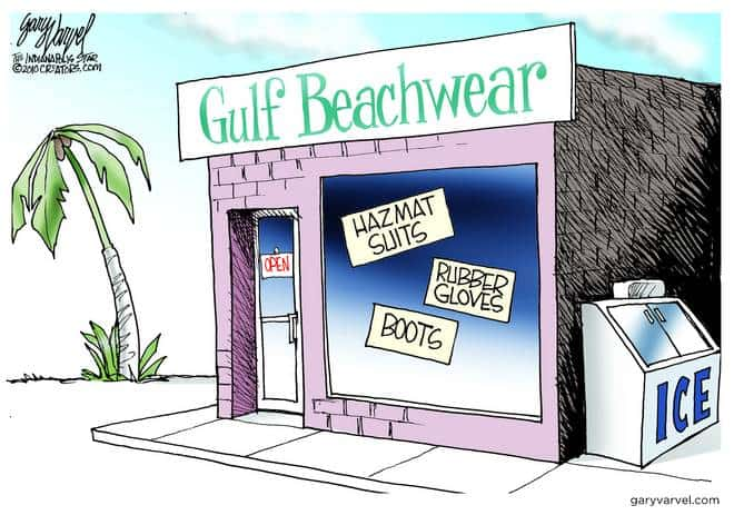 Gulf Tourist Shops Discover New Merchandise