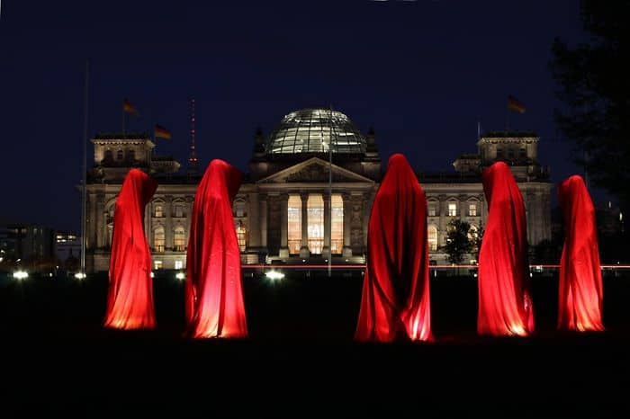 reichstag deutschland festival of lights timeguards manfred kielnhofer