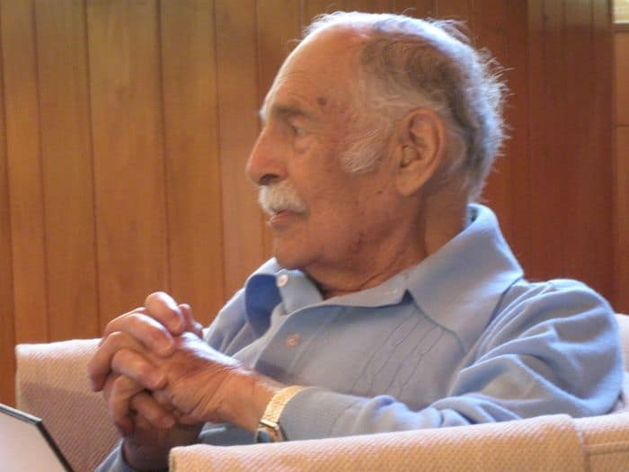Gen Shimon Erem, at home