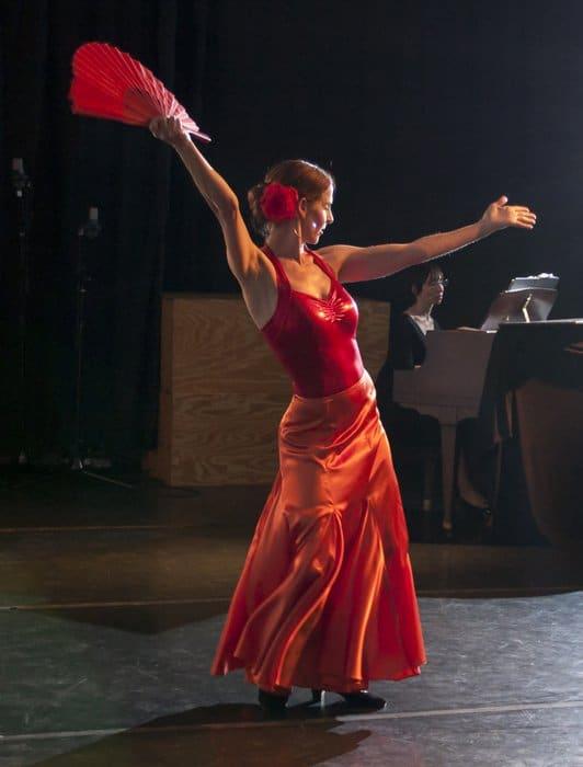 Kol Sepharadic Choir Dancer
