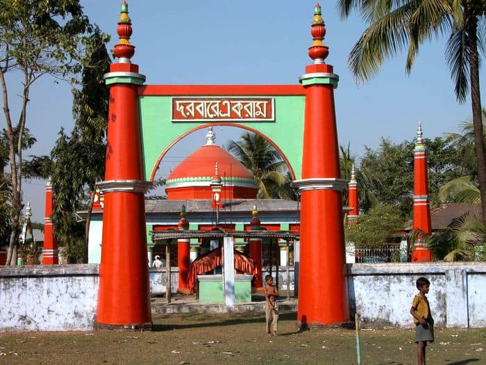 Huzur Saheber shrine on the Indian side of the India Bangladesh International Border at Chilahati