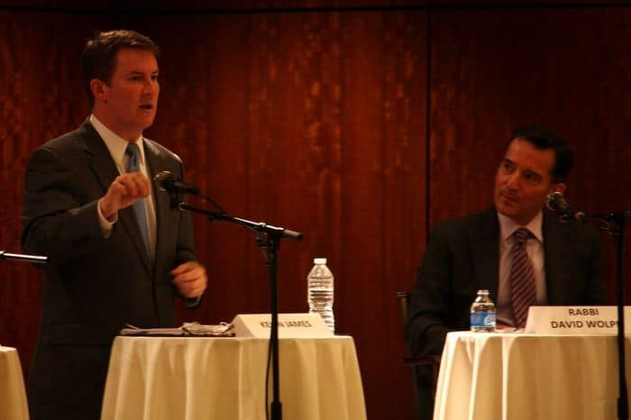 Sinai Temple Jewish Journal LA Mayoral Forum Kevin James speaks photo by Liz Reinhardt