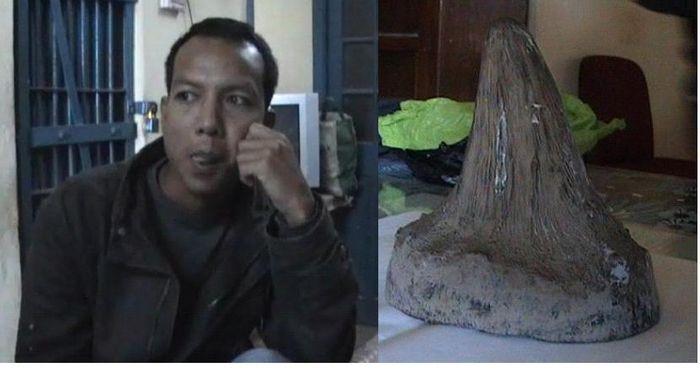bokajan rahino poachers with raihno horn ranjit borahuntitled