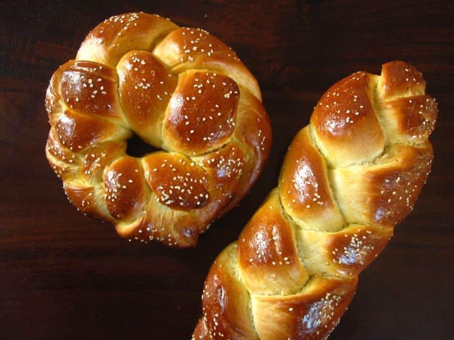 Shbbat Challah bread