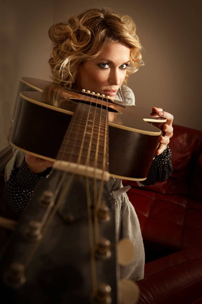 Cerys Matthews Lines Up Her Guitar