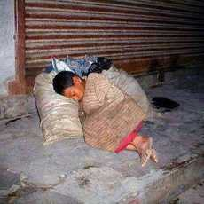 Syria Child Sleeps on the Streets Alone and Cold