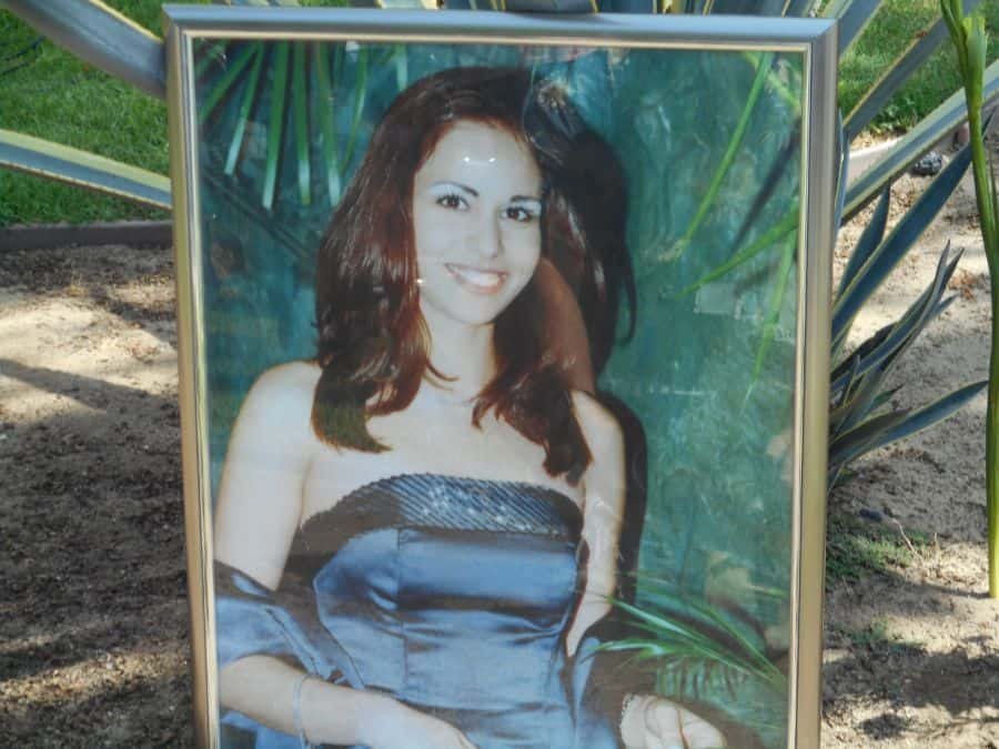 Vicki Hen Photo at her memorial site