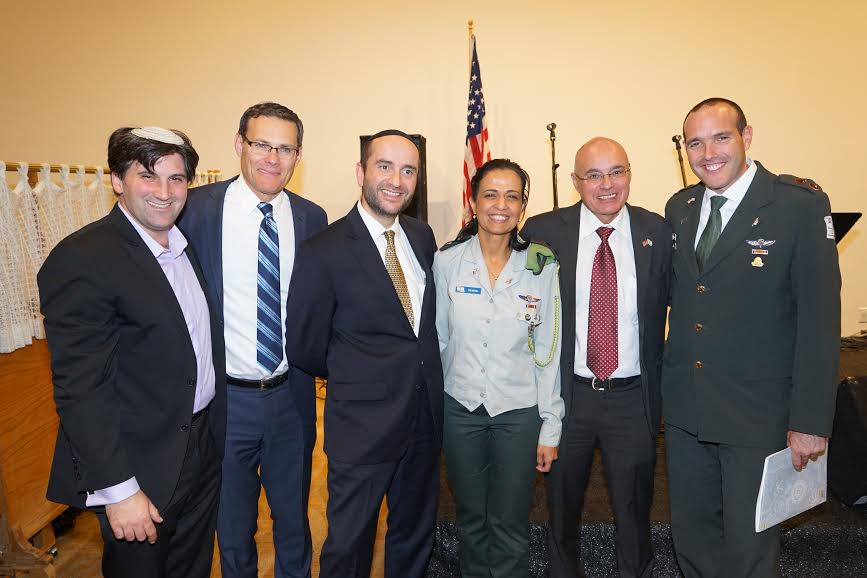 From R IDF cantor Shai Abramson consul Danny Gadot Colonel Yafa Mor Rabbi Pini Dunner of YINBH Consul General David Siegel cantor Nati Bar Am Photo Orly Levy