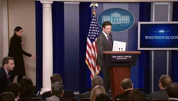 josh earnest briefing