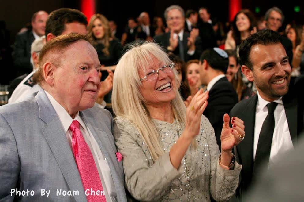 Sheldon and Miriam Adelson donated to MDA with Erik Levis.