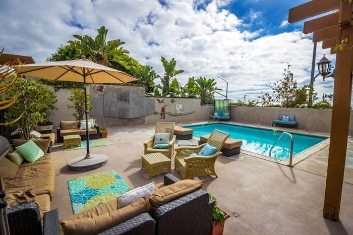 Art Hotel Laguna pool area.
