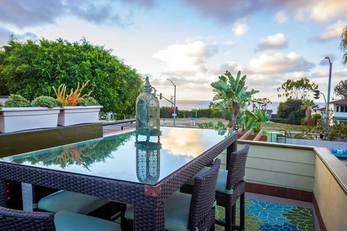 Art Hotel Laguna ocean view.
