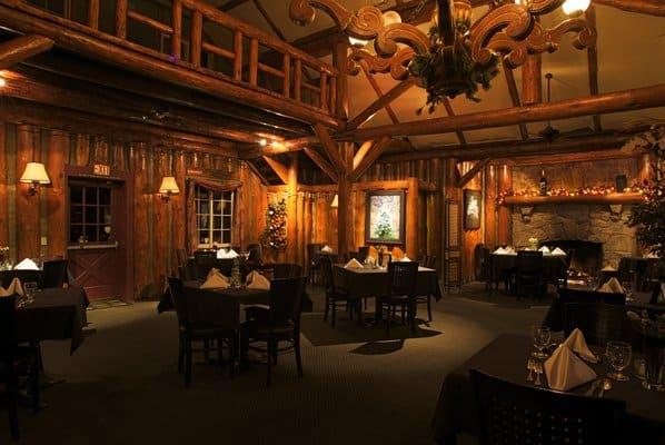 Antlers Inn dining room