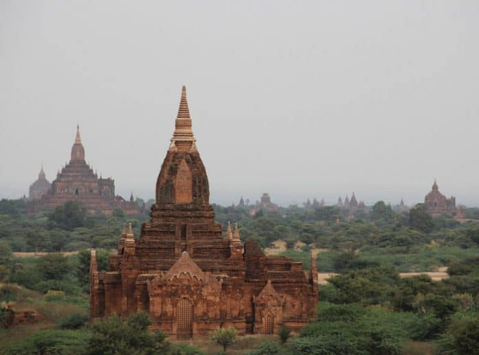 Myanmar Pagoda. Image by Peggy und Marco Lachmann-Anke from Pixabay
