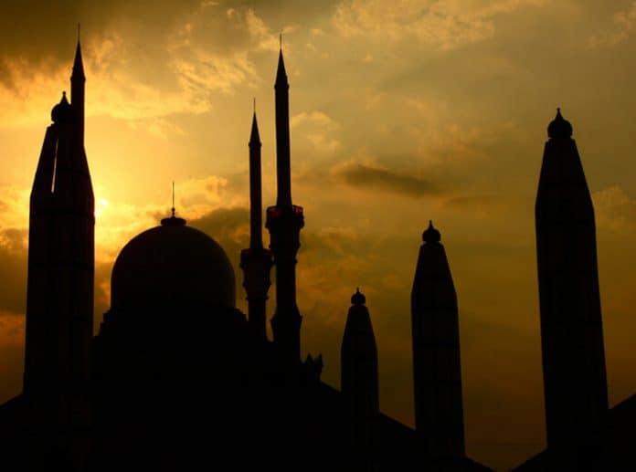 middle east. Image by aditya wicaksono from Pixabay
