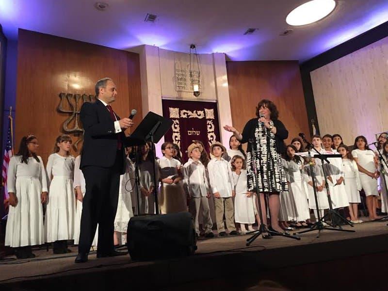 Jewish Community Childrens Choir Conductor, Dr. Michelle Willner, Cantor Arik Wollheim with Yemin Order Youth Choir
