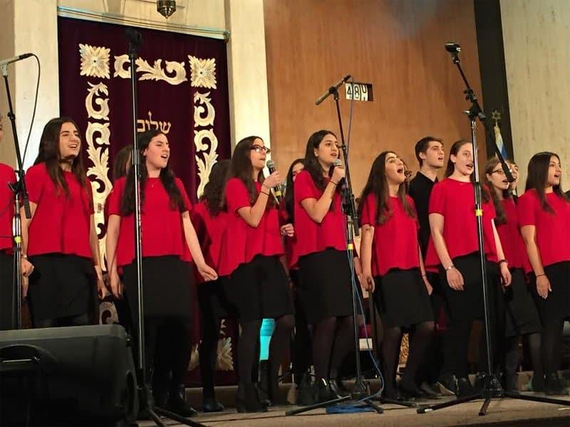 Shalhevet Choir sings
