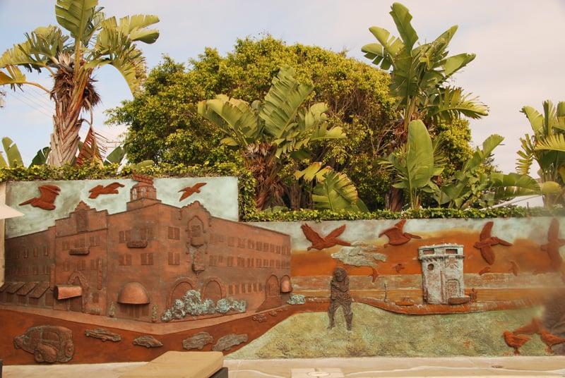 Main Beach Panorama Mural.