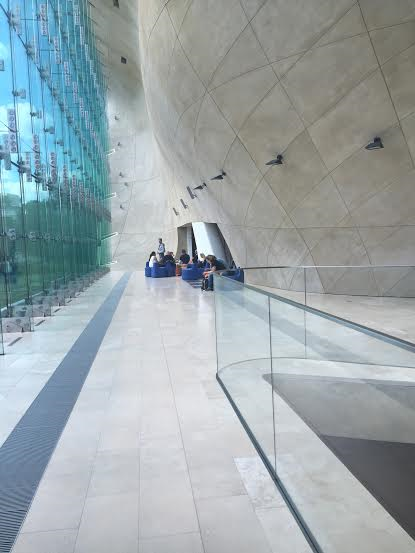 Polin Museum, walls made of glass symbolic to emptiness.
