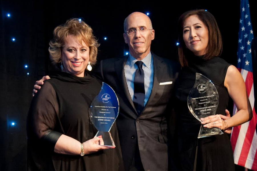 Jeffrey Katzenberg (center) presented the Vanguard Award to EVPGroup Publisher Lynne Segall (L) and Entertainment Group President-COO Janice Min - Photo credit Kyle Espeleta, courtesy American Society for Yad Vashem.