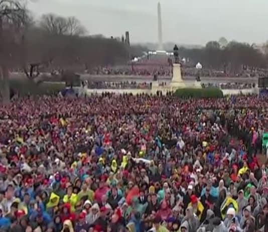 crowd at trump inauguration.