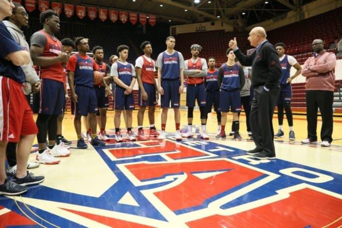 2017 UD Vitale addresses 2017 University of Detroit Mercy Titans.