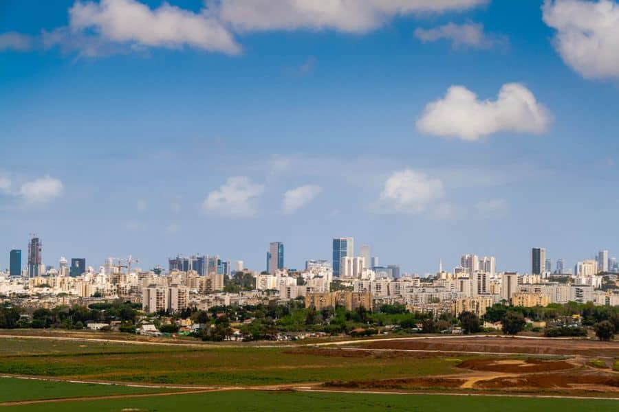 tel aviv, one of the middle east's most technologically advanced cities. Image by nadya_il from Pixabay