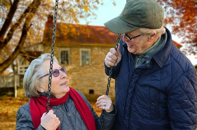 Population Aging, old people talk. Image by Claudia Peters from Pixabay