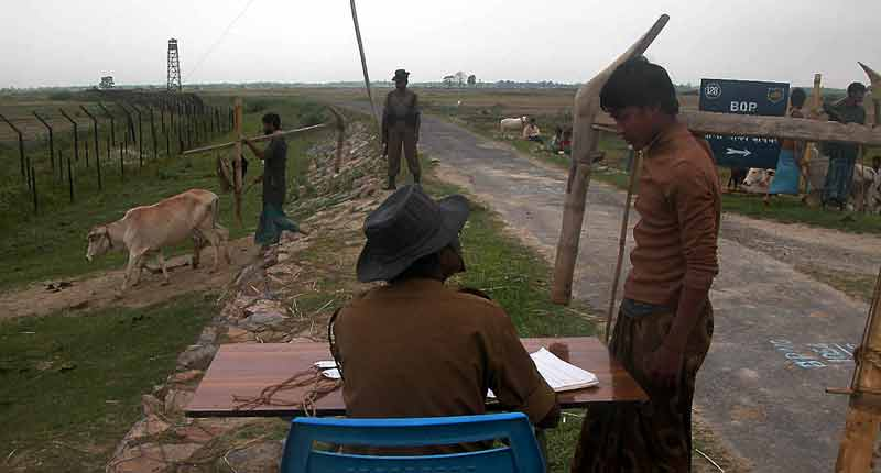 farmer registers with BSFI soldier.