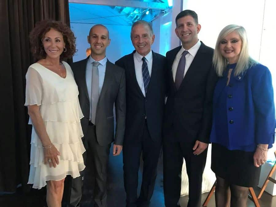 L-Batia Elkayam, wife of Professor Elkayam, Fello Yaron Elad, MD, Uri Elkayam, MD, Sam Grundwerg, Israel consul general, Sarit Finkelstein-Boim , event co-chair.