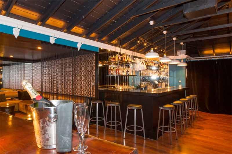 FIN Asian Tapas bar area.