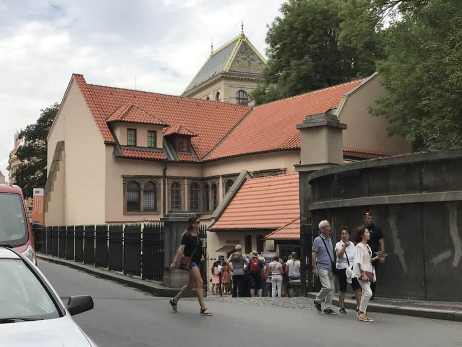 jewish quarter pinkas synagogue in prague line to get in - There Is No Escape From Jewish History in Prague, Czech Republic Capital