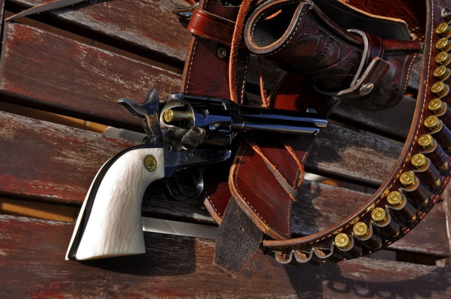 Colt single action. Image by Xavi Barrera from Pixabay