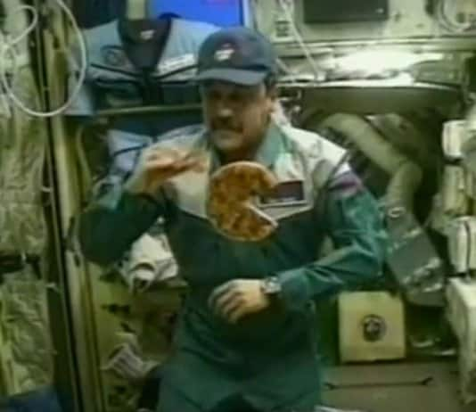 ISS Astronauts Receive Pizza.