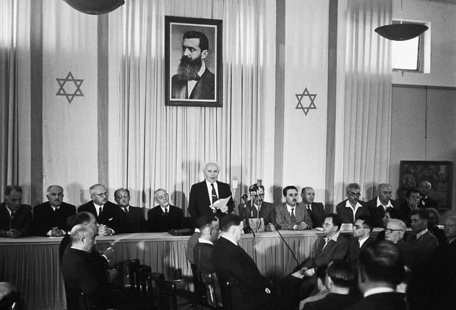 Ben Gurion declares Israel's independence in 1948