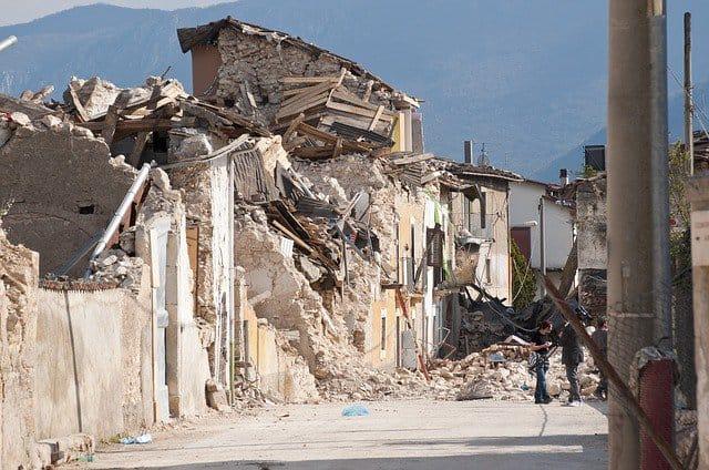 A powerful quake rocked tourist town in Taiwan.