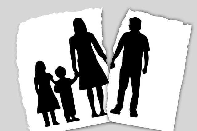 family custody battle Image by Gerd Altmann from Pixabay
