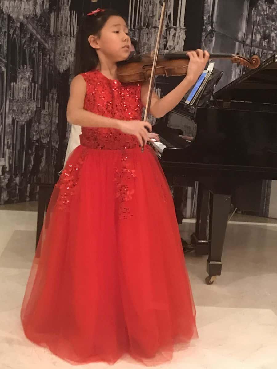 Leia Zhu 12-year-old violinist, Kesher Eilon alumna